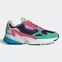 ส่วนลด Adidas | Adidas Falcon รองเท้าวิ่งผู้หญิงยุค 90's ทุกคนต้องมี